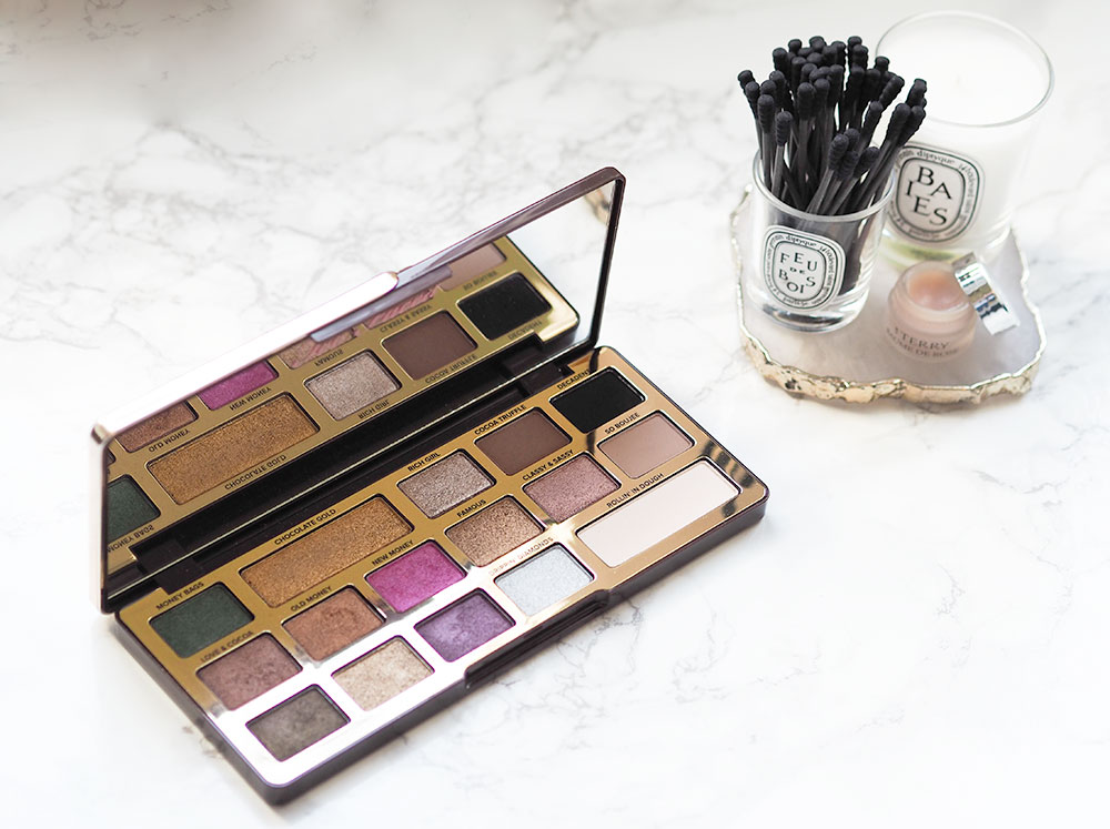 The Too Faced Chocolate Gold Eyeshadow Palette Review via Sarenabee.com